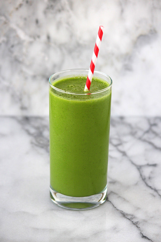 Green Smoothie Recipe from HandletheHeat.com